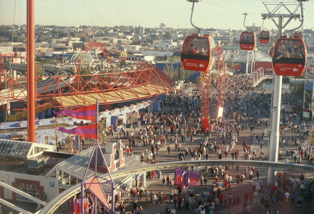 Expo 86 gondola and crowds. Reference code: AM1551-S1-: 2010-006.392.
