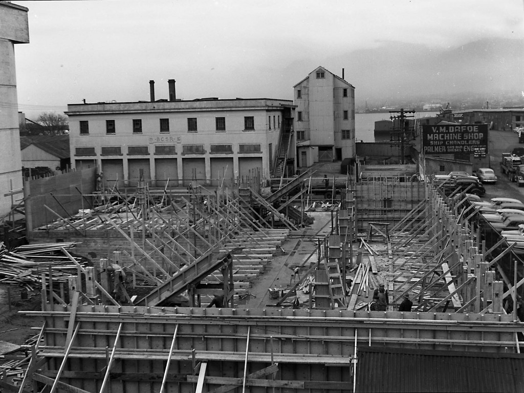 Construction of new office building: framing second floor; Reference code AM1592-1-S2-F06: 2011-092.1976.