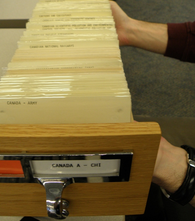 Catalogue card drawer CANADA A to CHI – conquered by Sean!