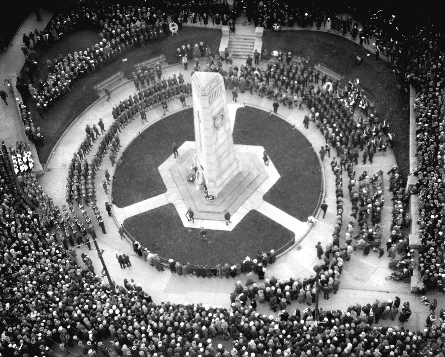 image of people at cenotaph