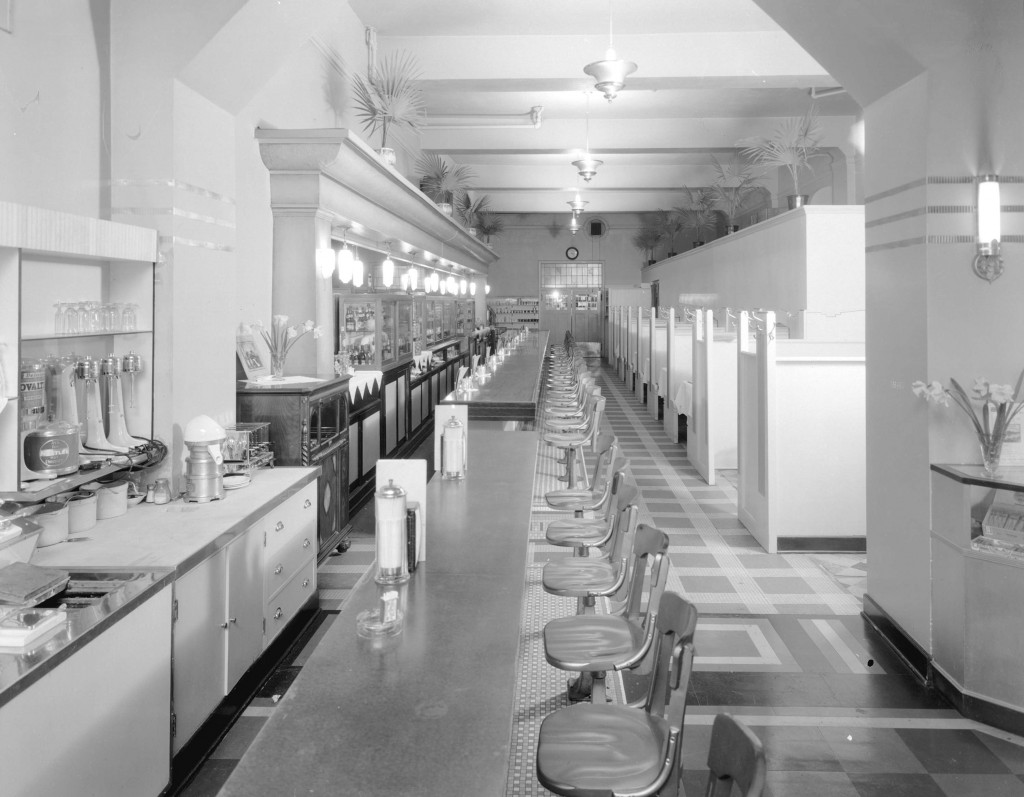 Hollywood Cafe at 872 Granville Street – lunch counter, Apr. 21, 1936. Stuart Thomson, photographer. Reference code: AM1535-: CVA 99-4883