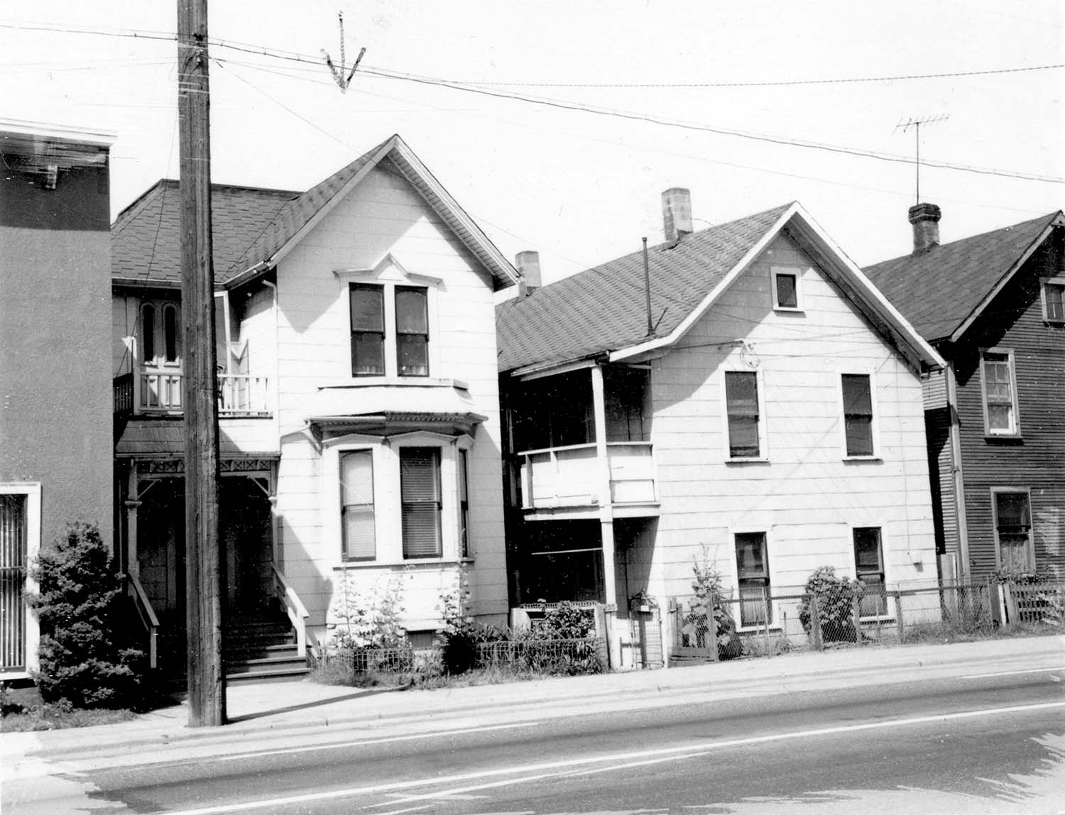 251 Prior Street, front, 1968. Photograph also shows 255 Prior Street and part of 259 Prior Street. Reference code COV-S168-: CVA 203-24