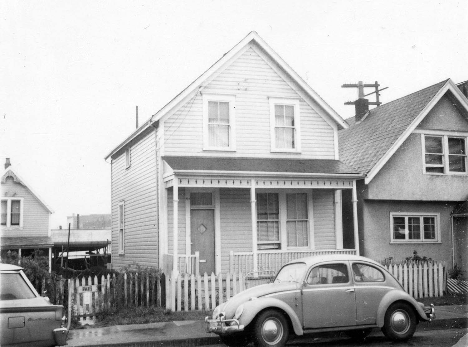 224 Union Street, front, 1968. Photograph also shows portion of 218 Union Street. Reference code COV-S168-: CVA 203-38