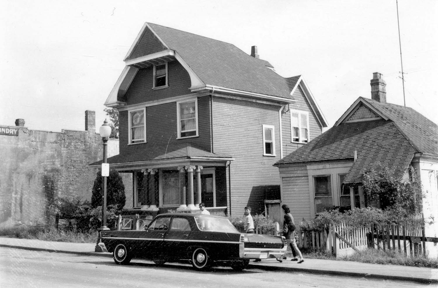 268 Union Street, front, 1968. Photograph also shows part of 264 Union Street. Reference code COV-S168-: CVA 203-51