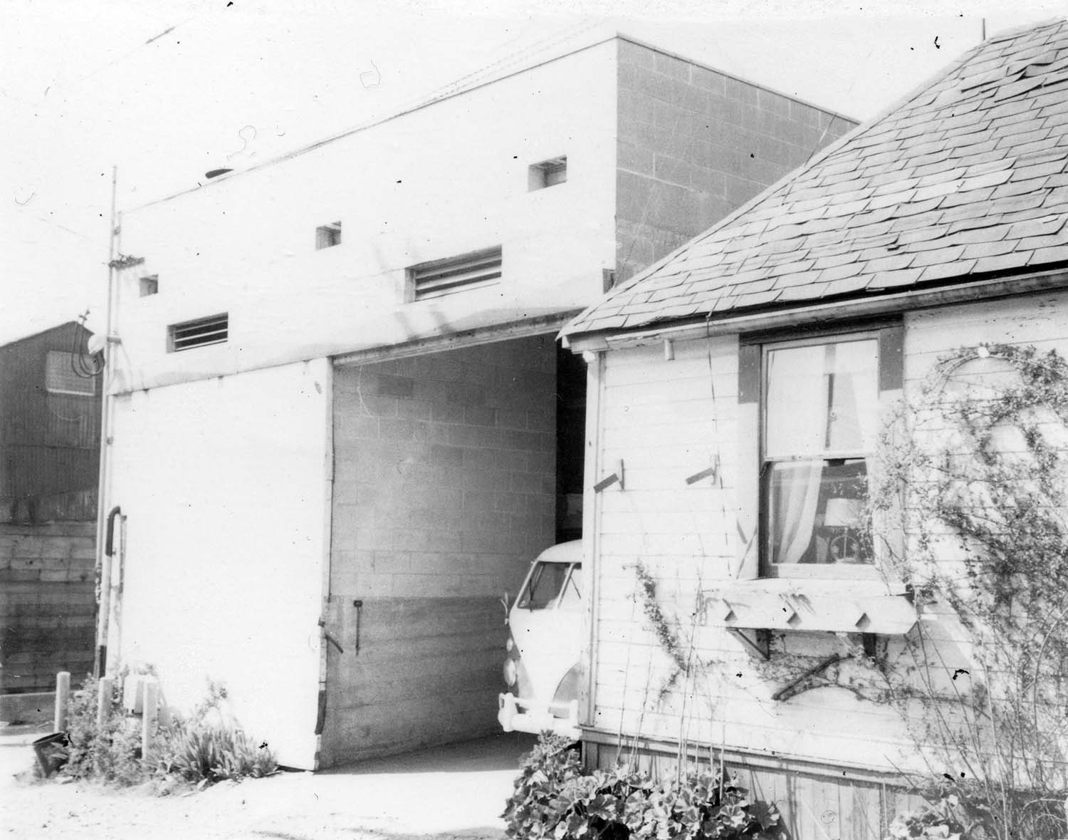 274 - 278 Union Street, back, 1973. Photograph shows Union Laundry and portion of a house (back of 278 Union Street). Reference code COV-S168-: CVA 203-67