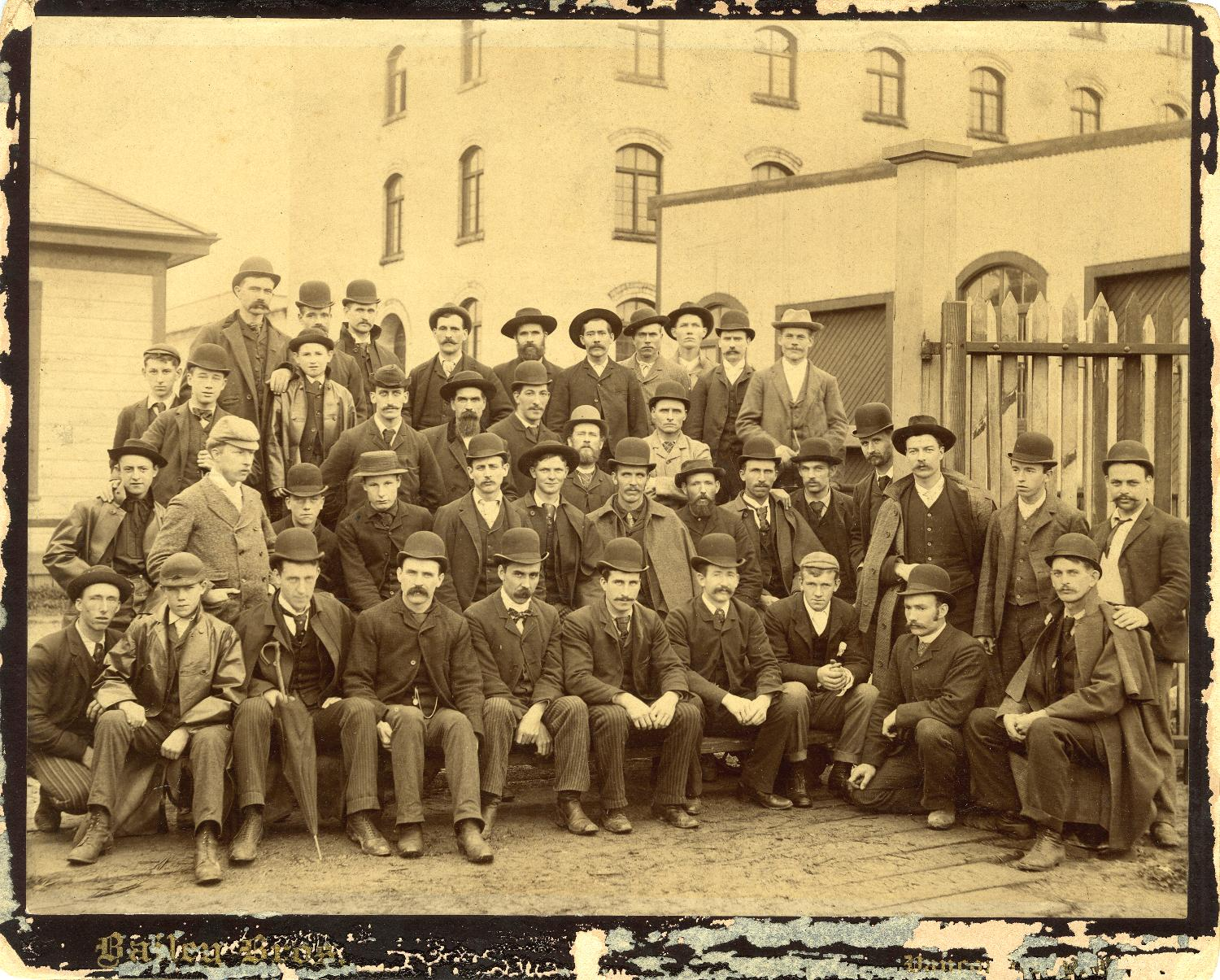 Refinery construction gang, 1891; Reference code: AM1592-1-S5-F03: 2011-092.1737