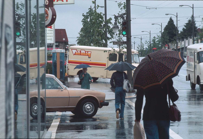 Broadway and MacDonald intersection