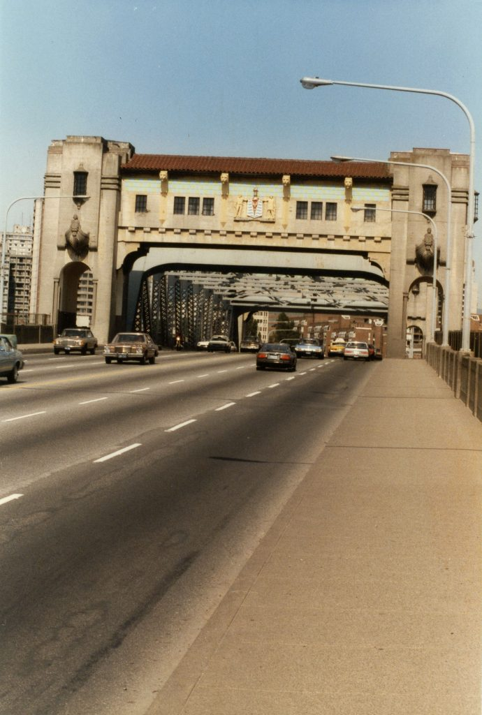 Burrard Bridge before restoration, 1986. Reference code: COV-S477-3-F111-: CVA 775-5.1