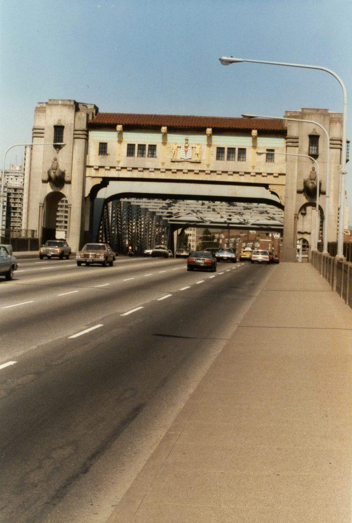 Burrard Bridge before restoration, 1986. Reference code: COV-S477-3-F111-: CVA 775-5.1