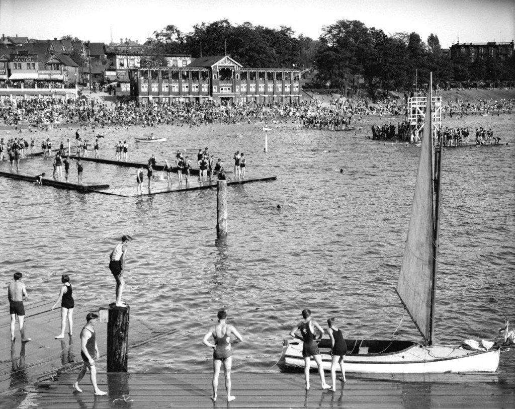 http://searcharchives.vancouver.ca/english-bay-scene-2